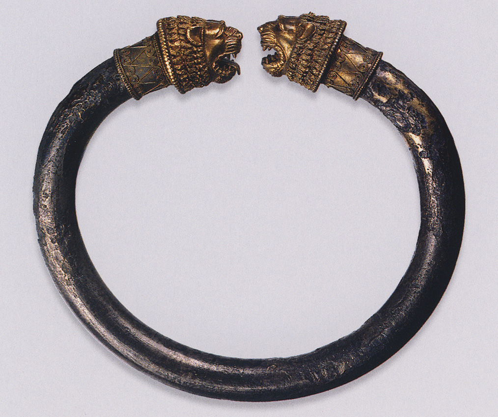 Bracelet with unlocked ends (one of a pair). Greek work. Gold, silver. Late 5th — early 4th centuries BCE. Width 8.3 cm. Inv. No. П.1854.28. Saint Petersburg, The State Hermitage Museum