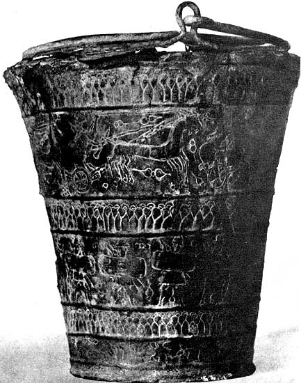 Situla from Bologna with relief sides. Bronze. 6th century BCE. Bologna, Civic Archaeological Museum