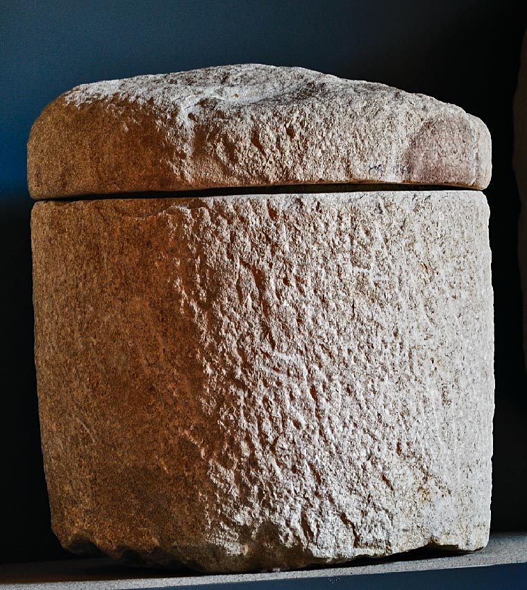 Plain cinerary jar. Local limestone. Late 1st cent. CE. Inv. No. MR 2061. Brescia, Santa Giulia Civic Museum