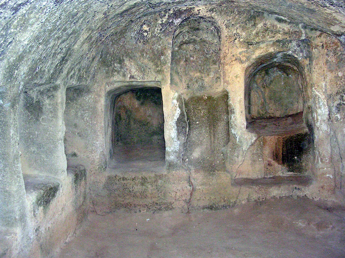 "Tomb VII (""Old church""). Burial chamber. Hellenistic period (3rd—1st centuries BCE). Cyprus. Paphos, Tombs of the Kings"