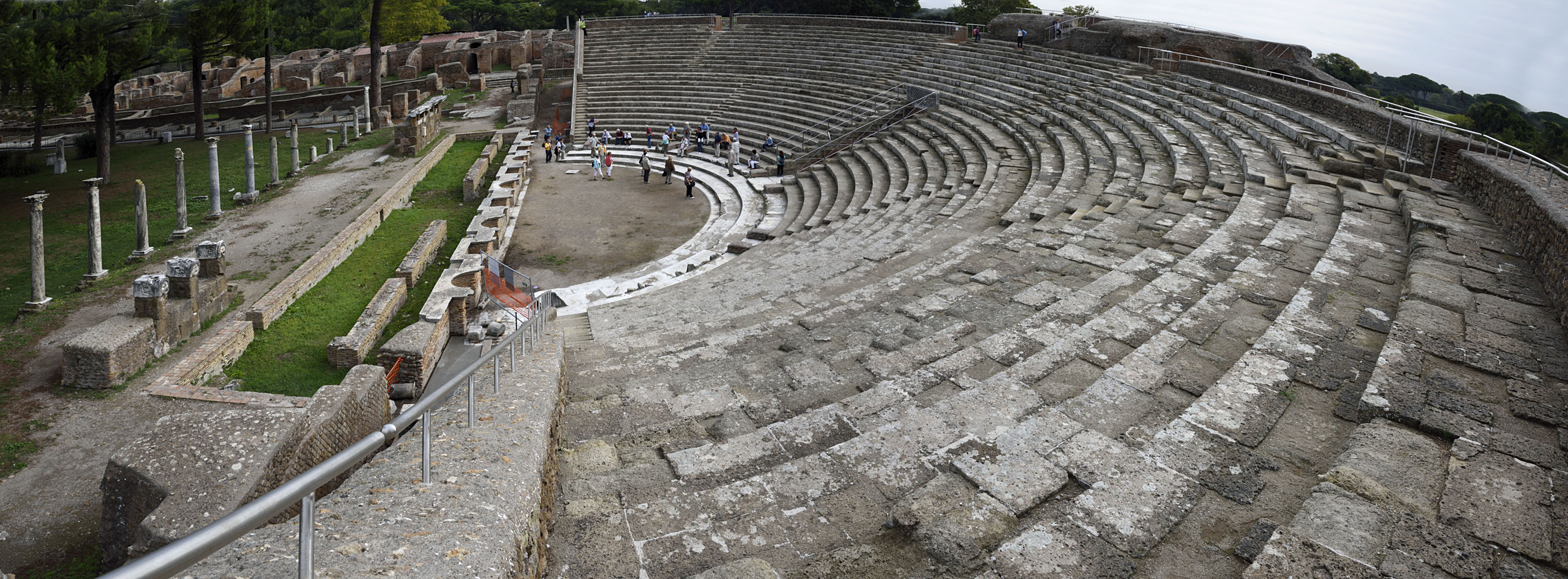 Theatre. Built in 18/17 BCE by M. Agrippa, rebuilt by Commodus and later by Septimius Severus and Caracalla. Ostia, Archaeological site (II, VII, 2)