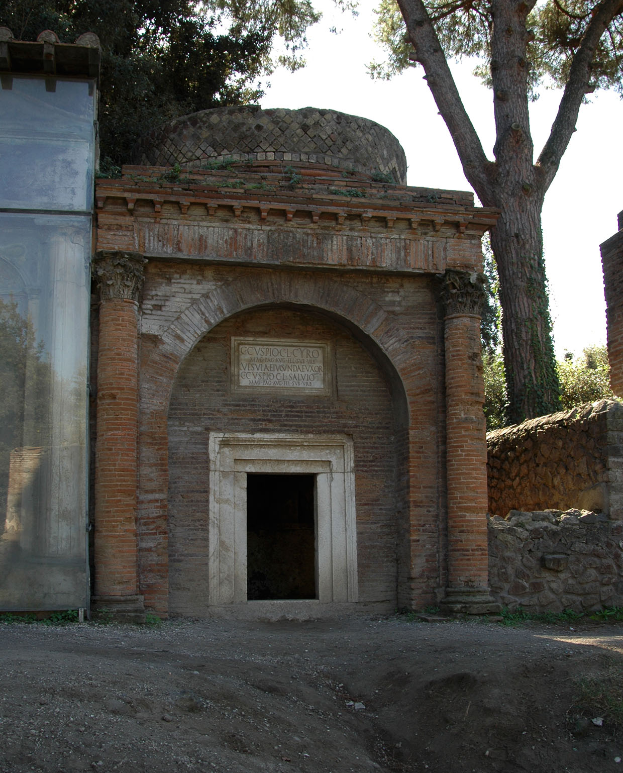 Tomb of the Cuspii. Eastern part of Necropolis outside the Nucerian gate (south side of Via delle Tombe). 54—79 CE. Pompeii