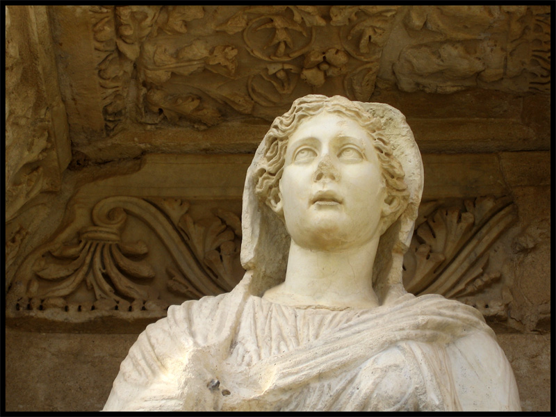 Facade of the Celsius Library. Statue of Goodness (Arete). Detail. Marble. Modern copy from the original of 117—135 CE. (now the original is stored in Vienna, in Ephesus Museum). Ephesus