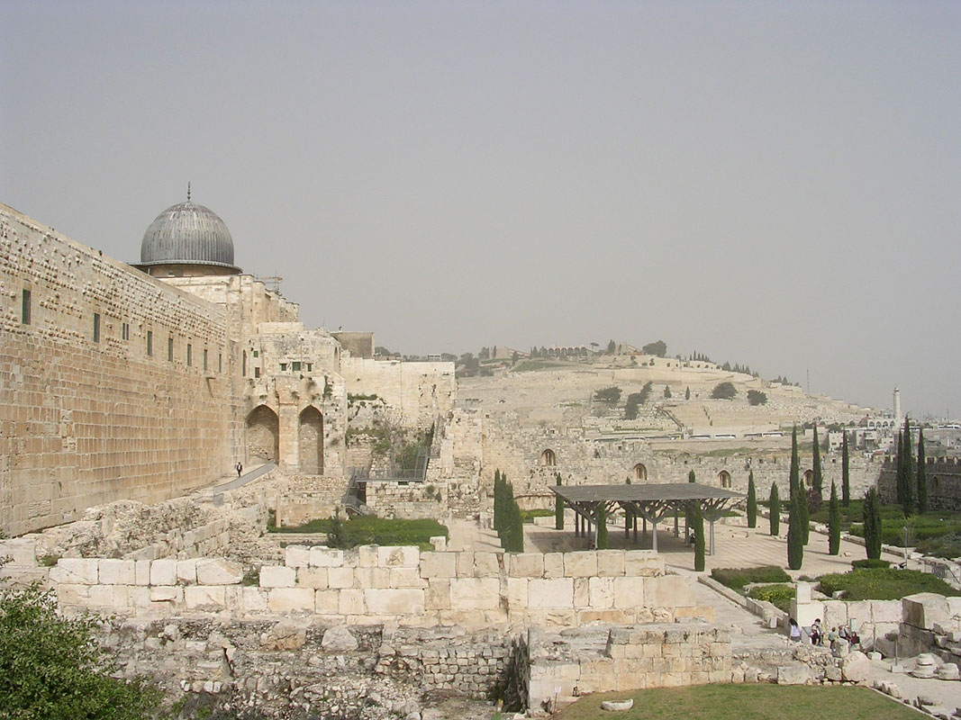 Jerusalem Archaeological Park. The southern wall of the Temple Mount, Al-Aqsa Mosque, the Umayyad palace, the Mount of Olives. Jerusalem, Archaeological Park