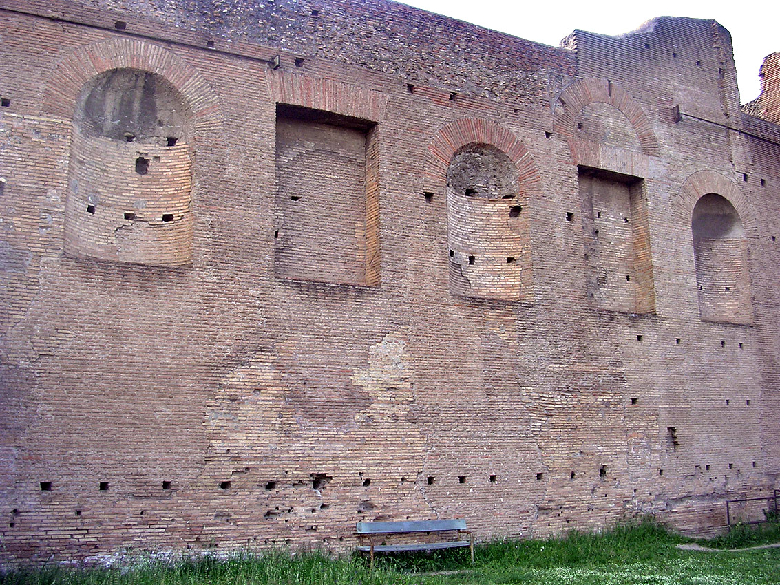 Domus Augustana. Wall of the upper level. 81—96 CE. Rome, Palatine