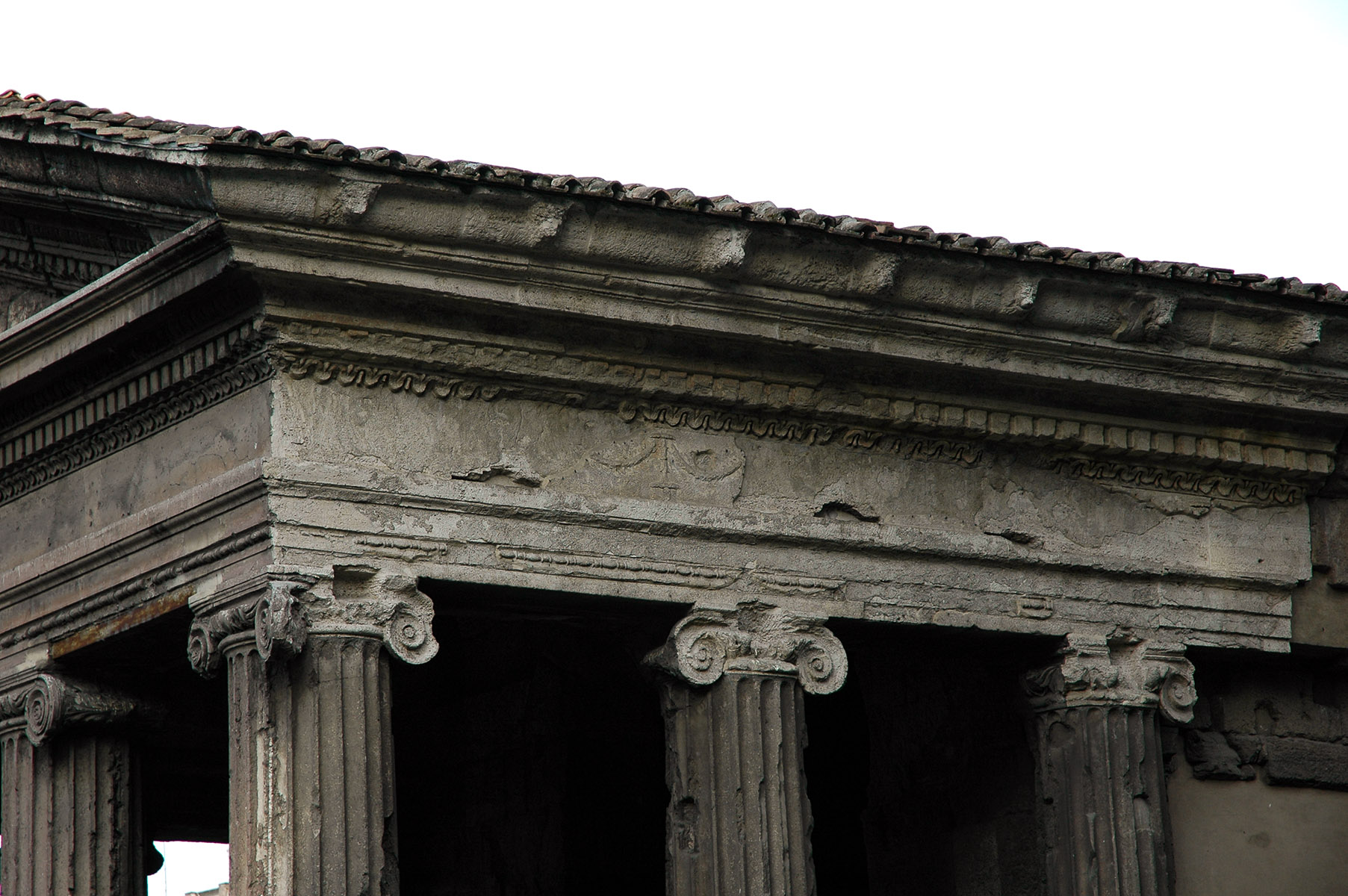 Temple of Portunus in Forum Boarium. (Former erroneous designation — Temple of Fortuna Virilis). Mid-1st cent. BCE. Rome, Forum Boarium