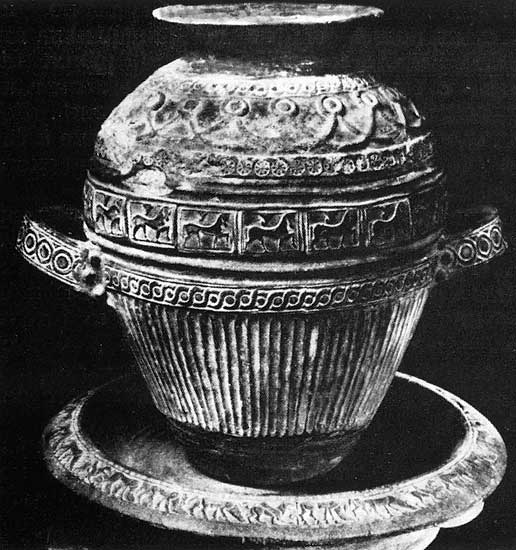 Funeral urn with reliefs from Cerveteri (Caere). Clay, red impasto. 7th century BCE.  Rome, Vatican Museums