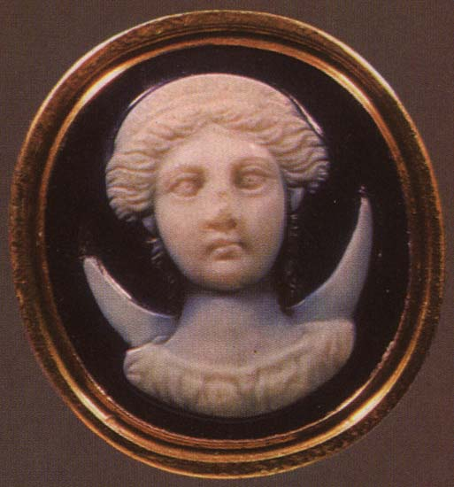 Selene. Sardonyx. 1st century BCE. 1.8 × 1.7 cm. Inv. No Ж 319. Saint Petersburg, The State Hermitage Museum