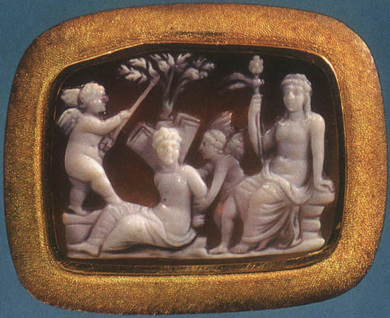Eroses tormenting Psyche in the presence of Dionysos. Sardonyx. 1st century BCE. 1.8 × 2.4 cm. Inv. No Ж 316. Saint Petersburg, The State Hermitage Museum