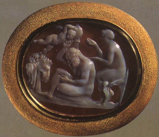 Heracles and Omphale. Onyx. 1st century BCE. 1.8 × 2.2 cm. Inv. No Ж 294. Saint Petersburg, The State Hermitage Museum