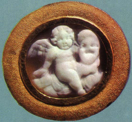 Eros with a mask. Onyx. 1st century BCE. 1.2 × 1.3 cm. Inv. No Ж 251. Saint Petersburg, The State Hermitage Museum