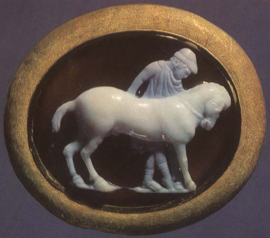Ephebe with a horse. Sardonyx. 1st century BCE. 2.3 × 2.7 cm. Inv. No Ж 304. Saint Petersburg, The State Hermitage Museum