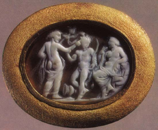 Dionysos, Ariadne, satyr. Onyx. 1st century BCE — 1st century CE. 1.4 × 1.9 cm. Inv. No Ж 279. Saint Petersburg, The State Hermitage Museum
