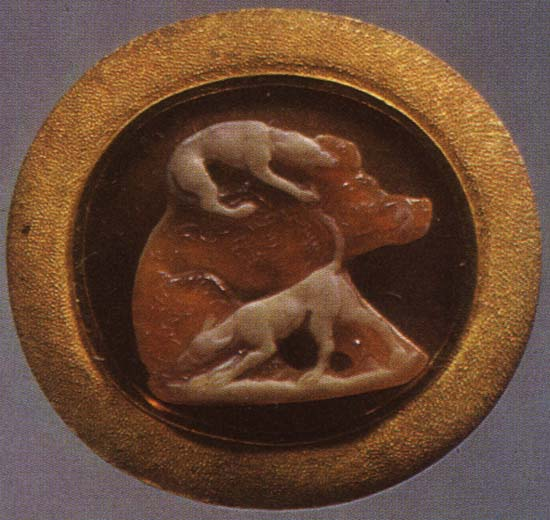Boar and hounds. Sardonyx. 1st century. 1.6 × 1.7 cm. Inv. No Ж 365. Saint Petersburg, The State Hermitage Museum