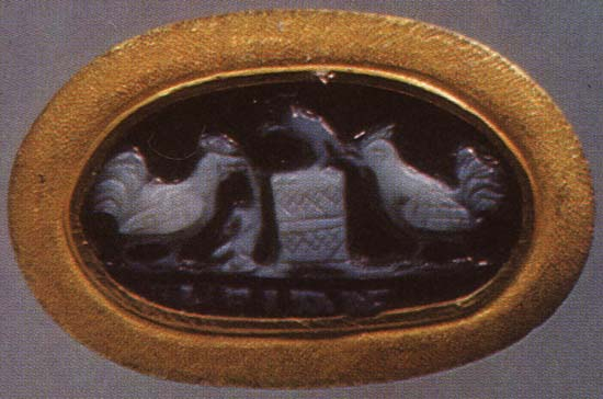 Mice and cocks. Sardonyx. 1st century.  Inv. No Ж 184. Saint Petersburg, The State Hermitage Museum