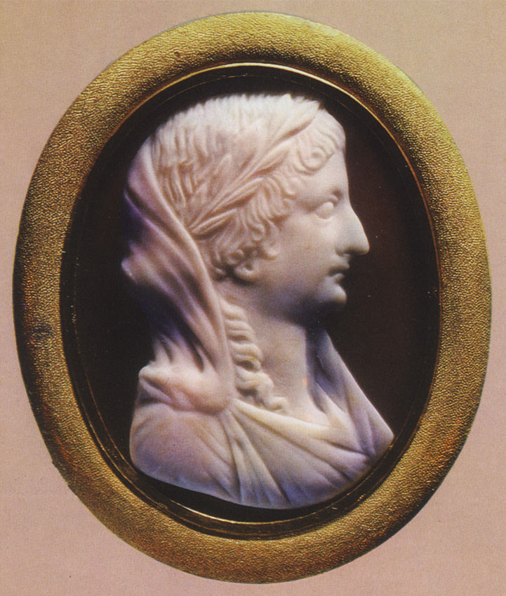 Livia. Sardonyx. Early 1st century. 3.1 × 2.5 cm. Reworked in the eighteenth century. Inv. No Ж 268. Saint Petersburg, The State Hermitage Museum