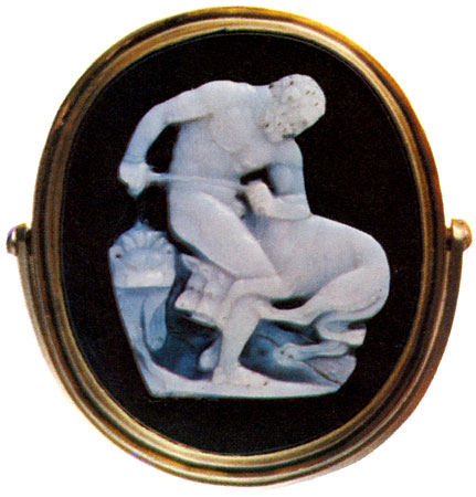 Heracles and Cerberus. Sardonyx. Roman. 1st century BCE — 1st century CE. Workshop of Dioskourides. 3.8 × 3.3 cm. Saint Petersburg, The State Hermitage Museum