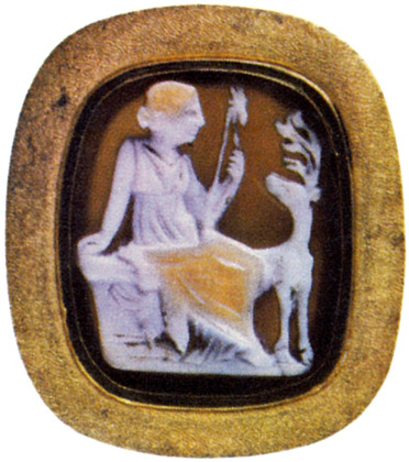 Diana and a hind. Three-layered sardonyx. Roman, 1st century BCE — 1st century CE.  Saint Petersburg, The State Hermitage Museum