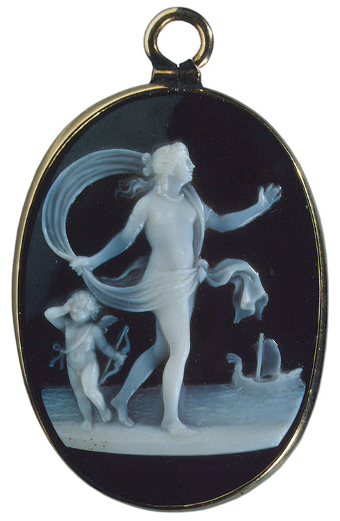 Forsaken Ariadne. Antonio Santarelli (1750—1820). Italy. Late 18th — early 19th century. Cameo. Sardonyx, gold. 3.3 × 2.4 cm. Inv. No. К 1849. Below, under the line of the ground, the signature: SANTARELLI Saint Petersburg, The State Hermitage Museum