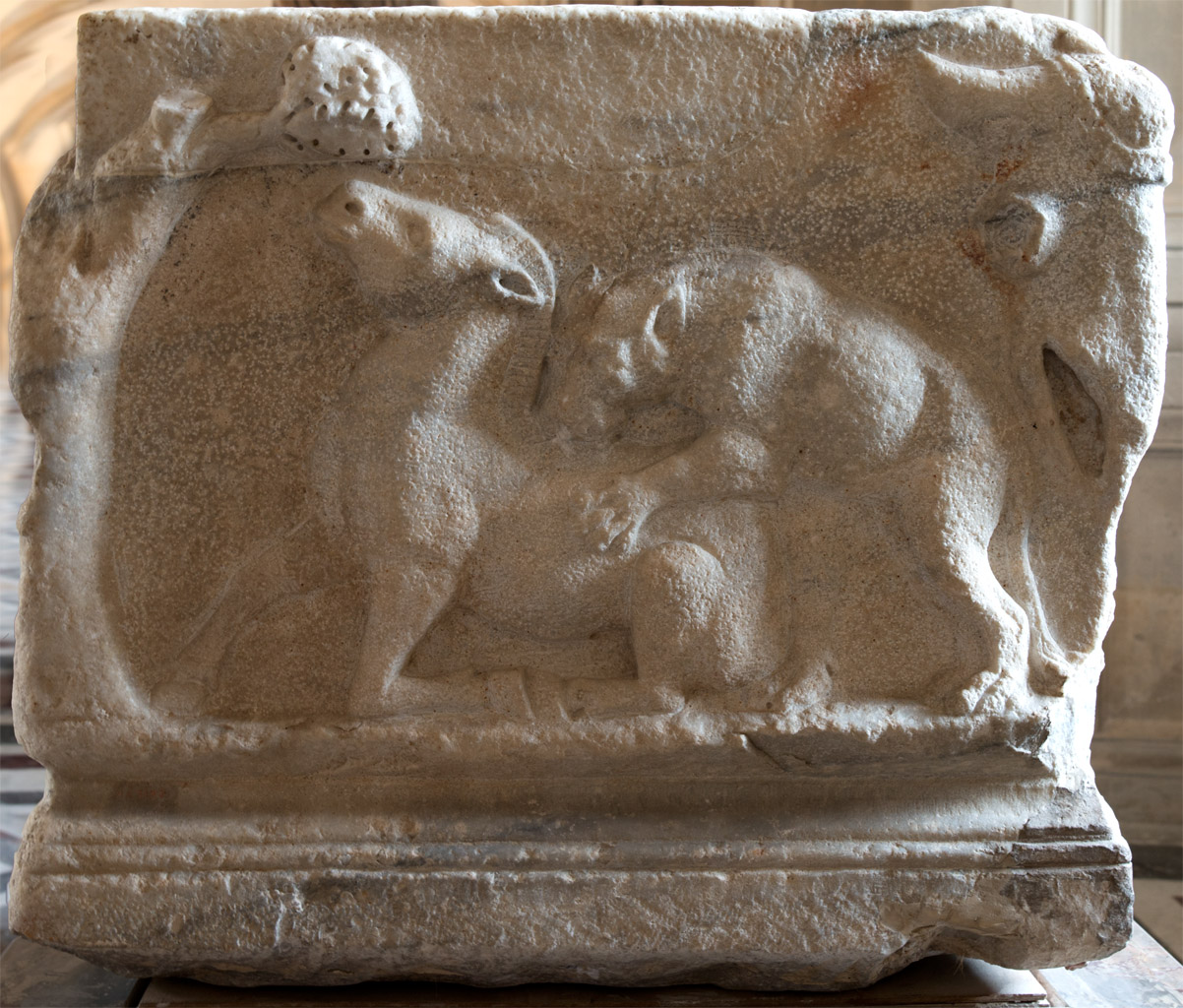 Sarcophagus with a myth of Selene and Endymion (left-side panel). Marble. Mid-2nd cent. CE. Asia Minor production (region of Smyrna). Inv. No. Ma 1384. Paris, Louvre Museum