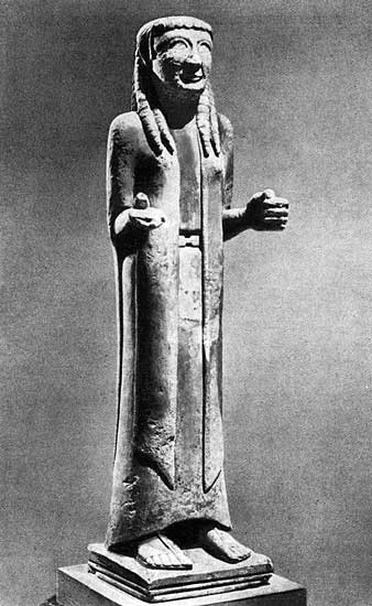 Female statue from the Isis Tomb. Alabaster. 6th century BCE. London, The British Museum