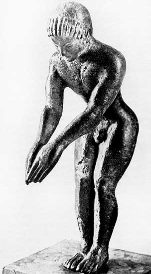 Young man, preparing to dive. Bronze. 5th century BCE.  Munich, State Antique Collection