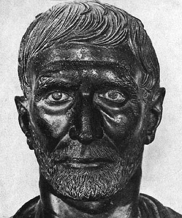 Portrait of so-called Brutus. Bronze. 3rd—1st centuries BCE. Height — 0.32 m. Rome, Capitoline Museums, Palazzo dei Conservatori, Hall of the Triumphs