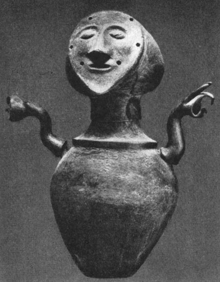Urn from Chiusi. Clay. Ca. 600 BCE. Chiusi, National Etruscan Museum
