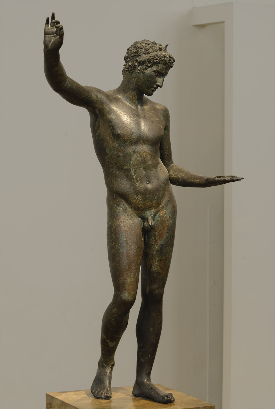 Young athlete. Bronze. 340—330 BCE. Inv. No. X. 15118. Athens, National Archaeological Museum