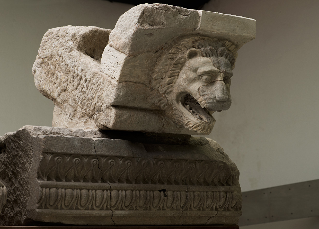 Cornice with a gutter (sima) and channelout in the form of a lion's head. Sandstone. 510 BCE. Paestum, National Archaeological Museum
