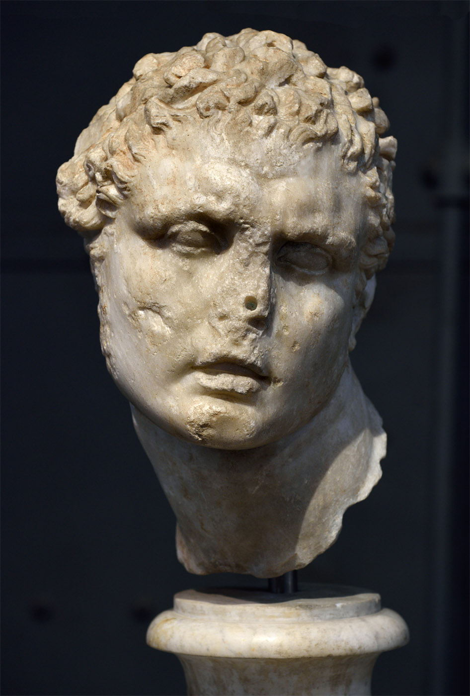 Male head. Pentelic marble. Inspirated by late Hellenistic statue. Inv. No. MC 1860. Rome, Capitoline Museums, Museum Montemartini (Centrale Montemartini), II. 39