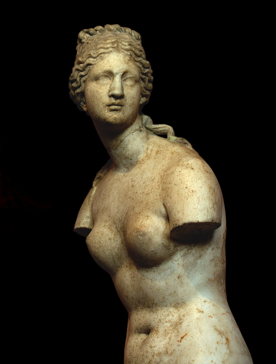 Aphrodite (Venus Tauride) — close-up. Marble. Greek work of the 2nd century BCE (?). Height 167 cm. Inv. No. ГР-3054 / A.150. Saint Petersburg, The State Hermitage Museum