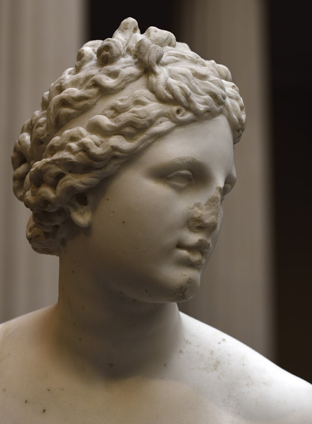 Aphrodite (close-up). Marble. Roman copy of the 1st—2nd century CE after Greek statue of 3rd-2nd cent. BCE. Inv. No. 52.11.5. New York, the Metropolitan Museum of Art