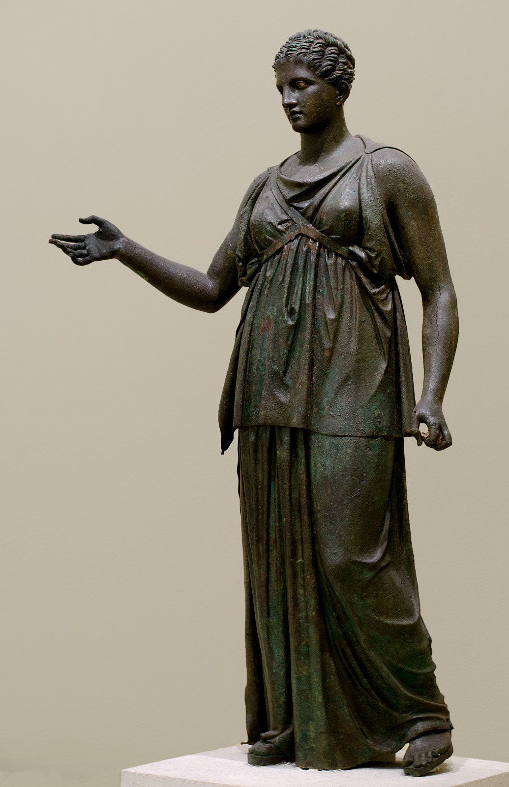 Artemis. Bronze. Mid-4th century BCE. Inv. No. 4647. Athens, Archaeological Museum of Piraeus