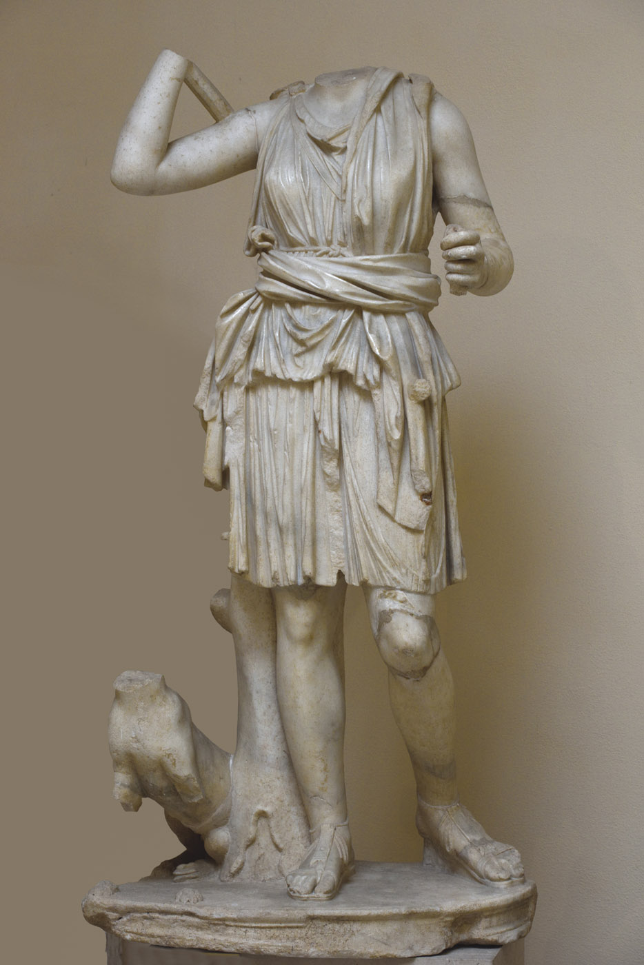 Statue of Artemis. Parian marble. 2nd century CE. Inv. No. 4. Ostia, Archaeological Museum