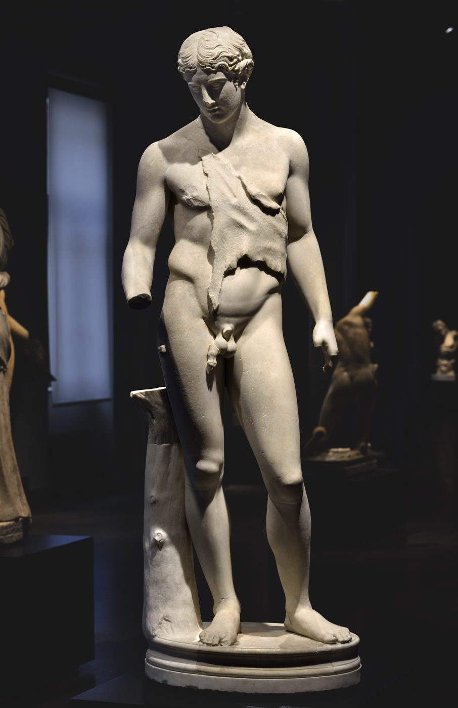 Dionysos. White marble. Hadrianic period. Inv. No. 622. Rome, Roman National Museum, Palazzo Massimo alle Terme