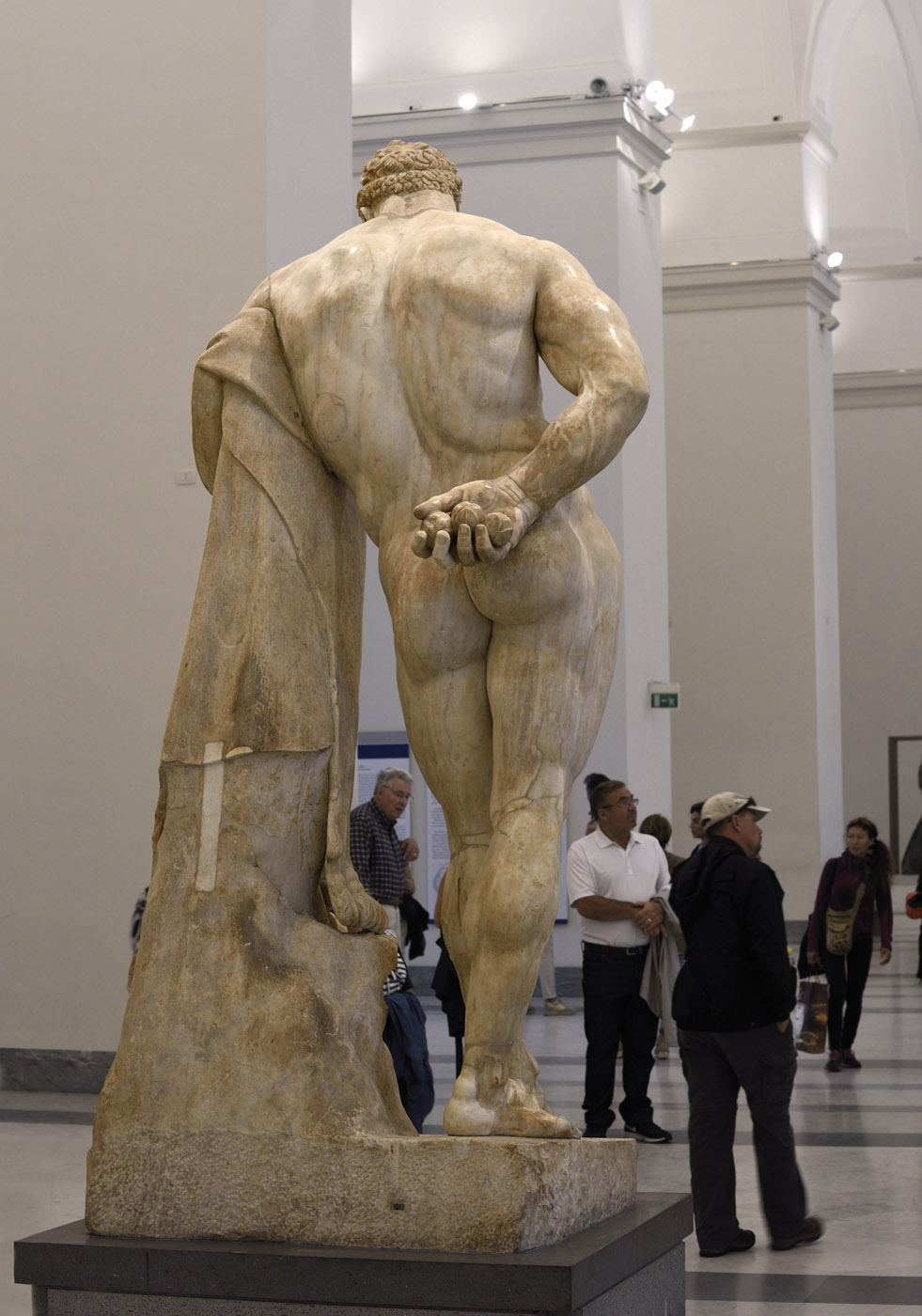 Hercules at rest (Farnese-Pitti type). Marble. Roman work of the late 2nd — early 3rd cent. CE after a bronze original by Lysippos of the second half of the 4th century BCE. Inv. No. 6001. Naples, National Archaeological Museum