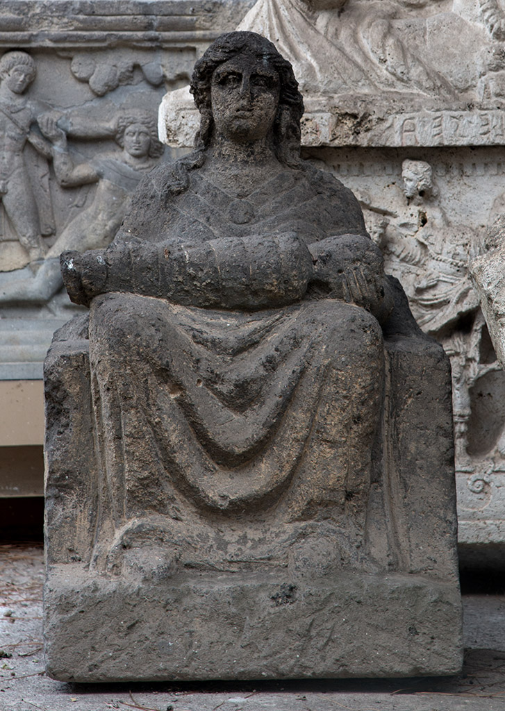 Mater Matuta. Tufa. 6th—2nd cent. BCE. Rome, National Etruscan Museum of Villa Julia