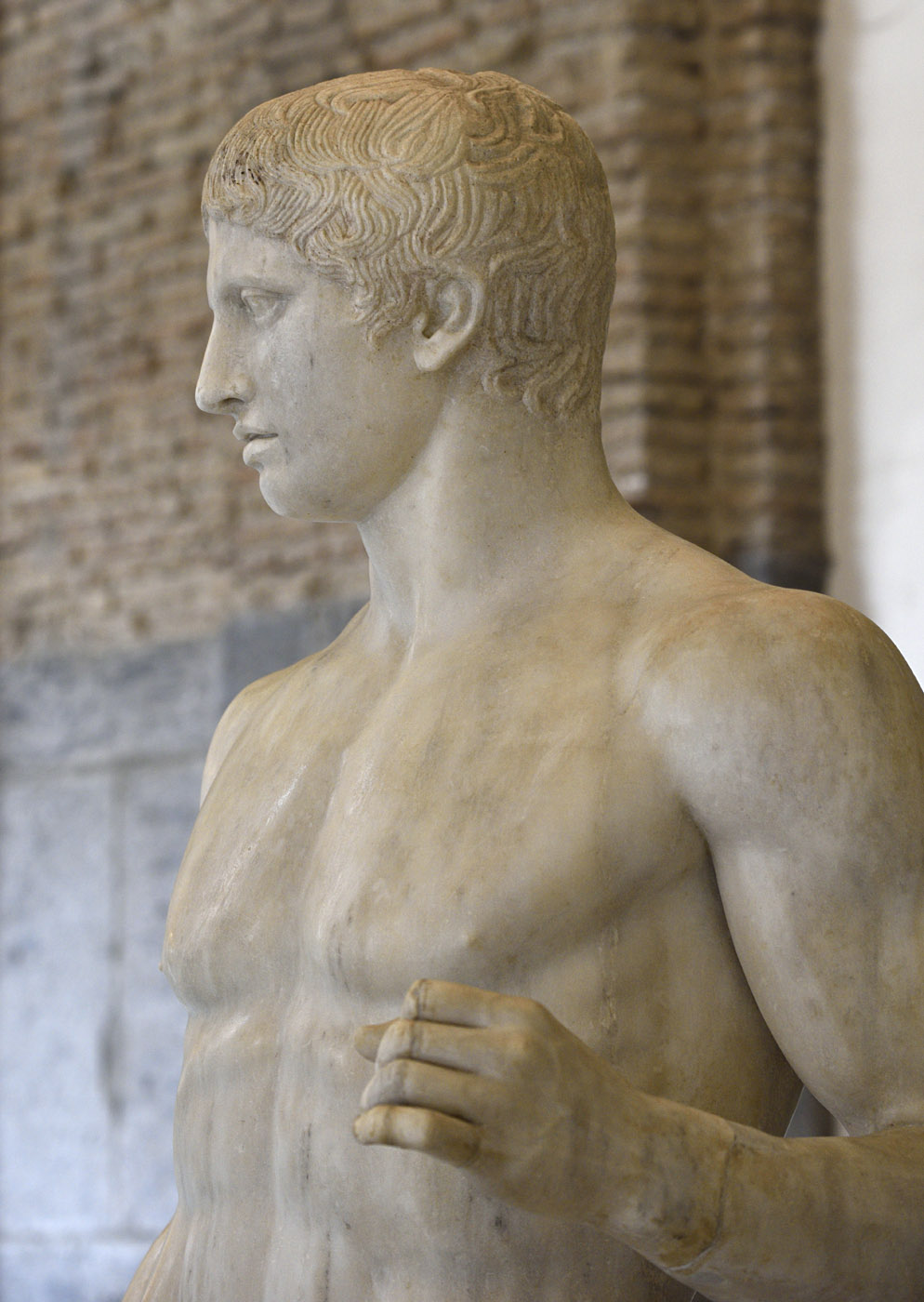 Doryphoros (close-up). Marble. Roman copy after a Greek bronze original by Polykleitos of the 5th century BCE. Inv. No. 6011. Naples, National Archaeological Museum