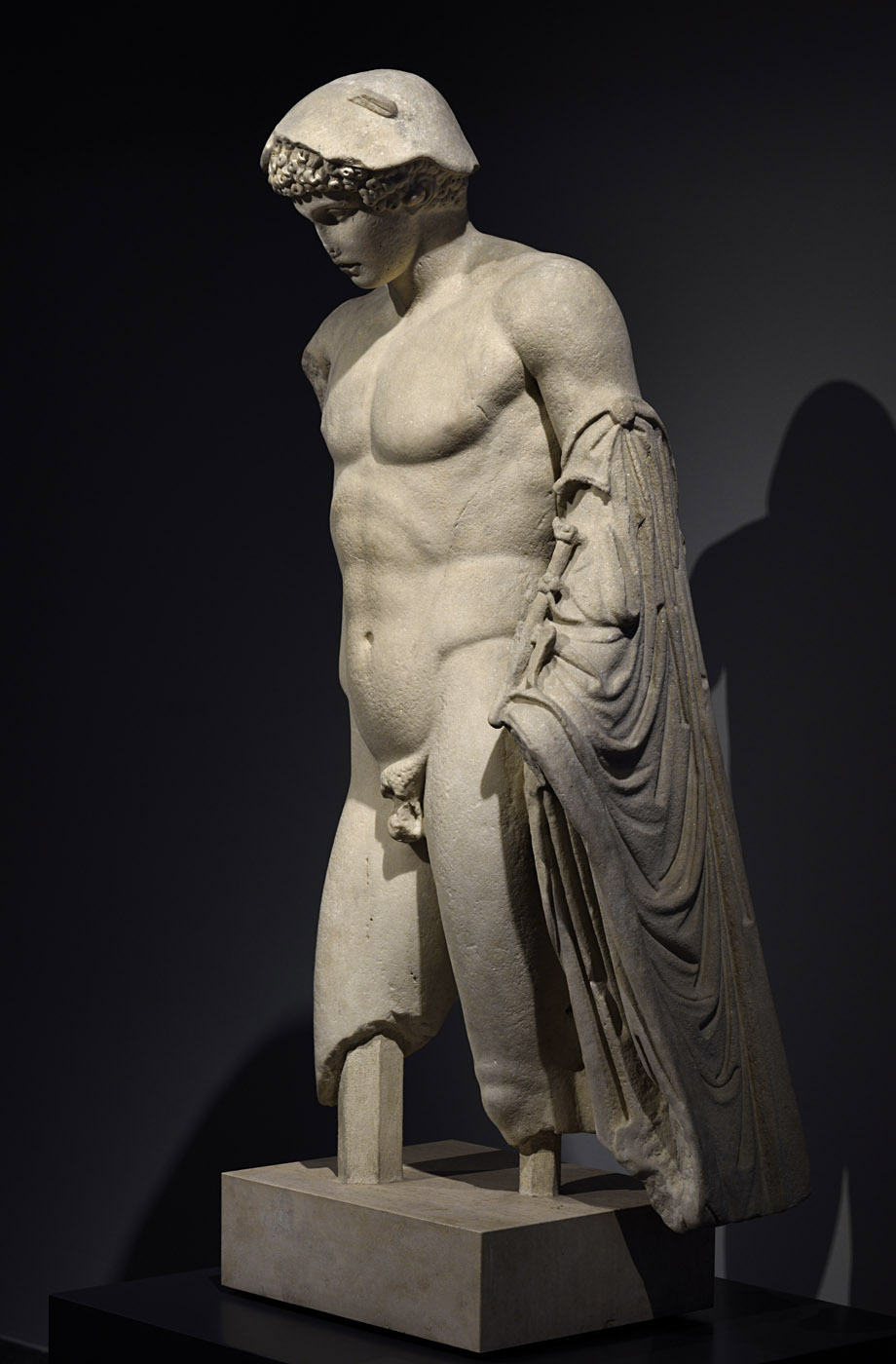 Hermes Loghios (the Ludovisi type). Coarse-grained marble. Roman copy of the mid-1st cent. CE after a bronze Greek original of the 5th cent. BCE. Inv. No. 124479. Rome, Roman National Museum, Palazzo Massimo alle Terme