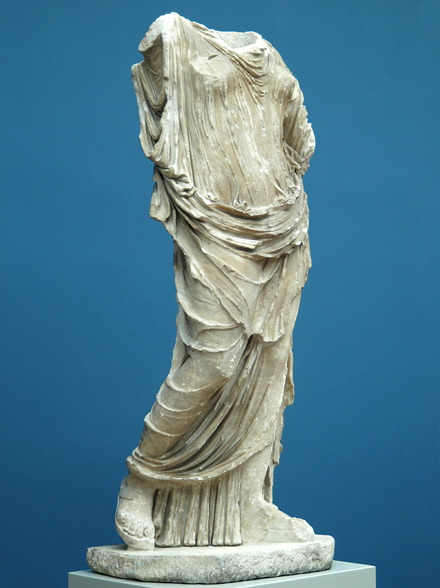 Statue of a woman. White fine-grained marble with veins of mica. 1st century CE. Height 186 cm. Inv. No. 1802. Copenhagen, New Carlsberg Glyptotek