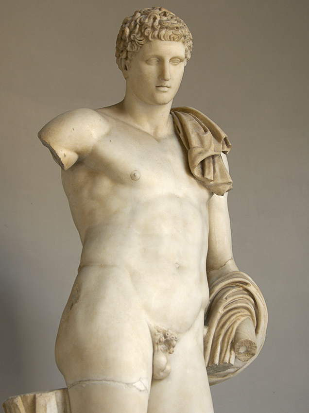 Statue of Hermes Belvedere. Detail. Coarse-grained white marble. Roman copy of 117—138 CE after a Greek bronze original of the 4th century BCE. Inv. No. 907. Rome, Vatican Museums, Pius-Clementine Museum, Octagonal Court, Hermes Cabinet, 2
