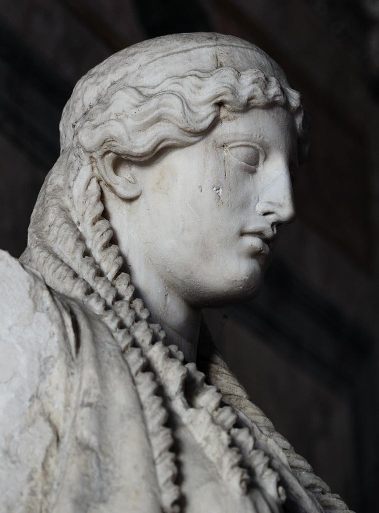 Athena Parthenos (detail). Marble. Roman copy of a Greek original derived from the work by Phidias. Inv. g 6697. Mantua, Ducal Palace