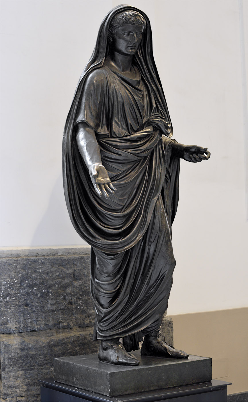Bronze statue of L. Mammius Maximus in toga. Bronze. Age of Claudius (41—54 CE).  Inv. No. 5615. Naples, National Archaeological Museum