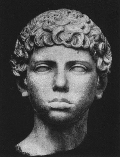 Head of a boy. Marble. 120s CE. Berlin, State Museums