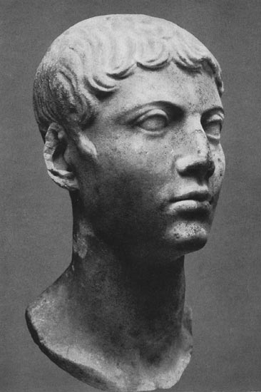 Head of a young man. Marble. Early 1st century. Moscow, the Pushkin Museum of Fine Arts