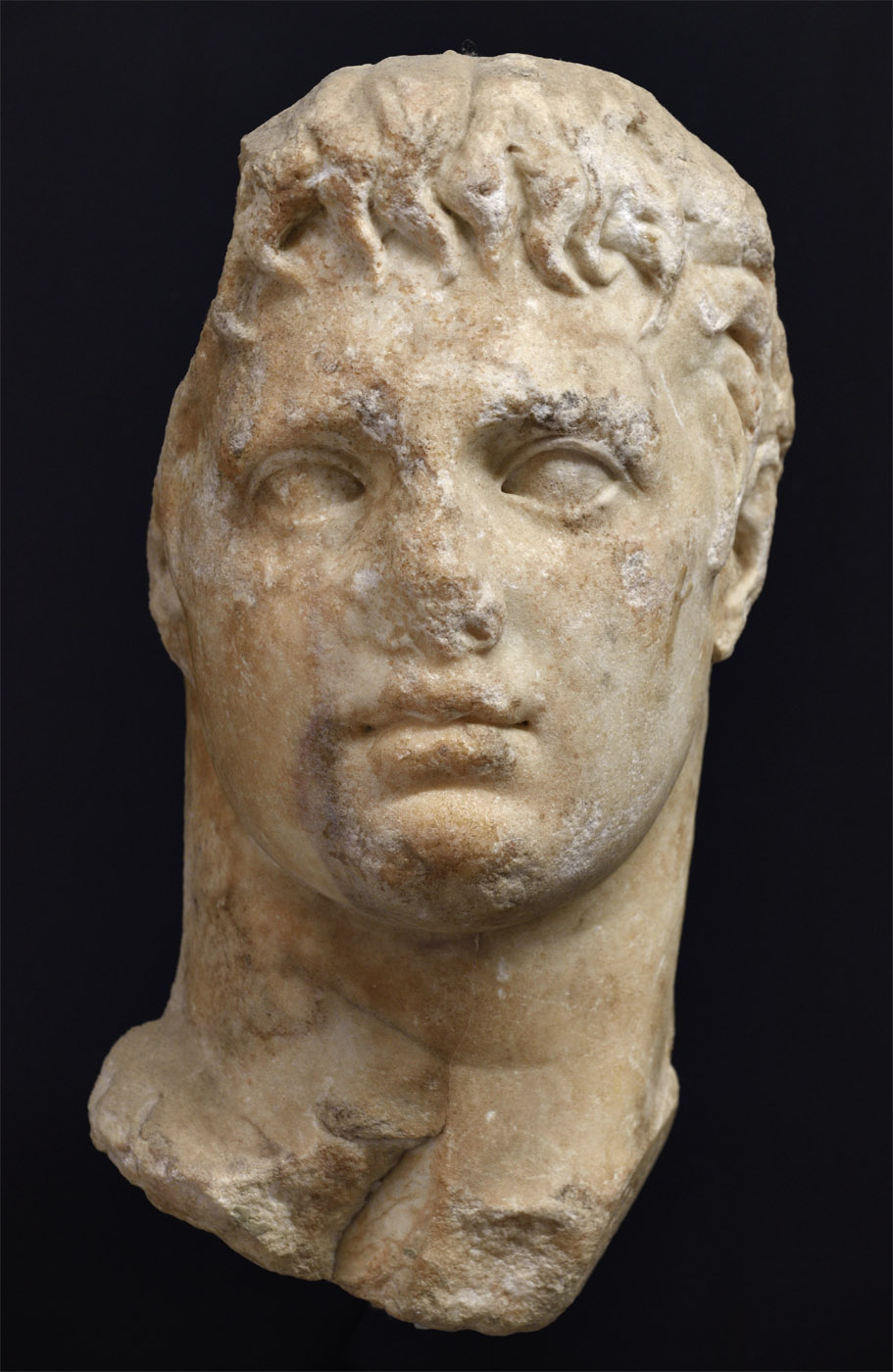 Portrait head of an unknown man. Fine-grained white parian marble. Second half of the 1st cent. BCE. Baia, Archaeological Museum of the Phlegraean Fields