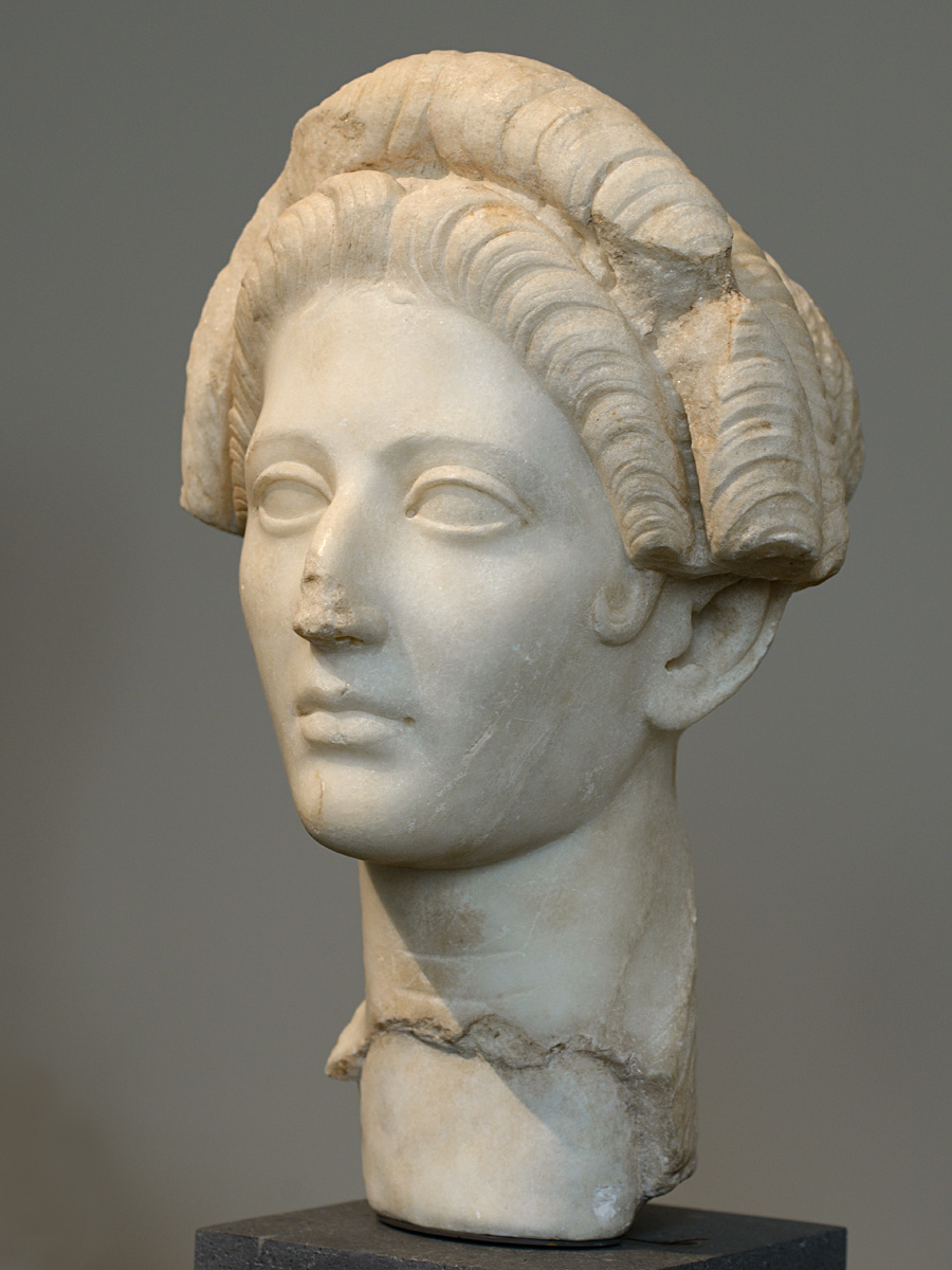 Portrait of a young woman. Marble. 98—117 CE. Inv. No. 27.122.4. New York, the Metropolitan Museum of Art