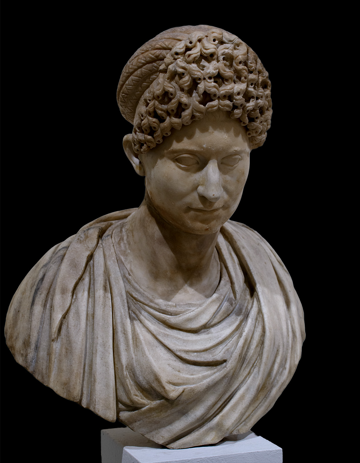 Portrait of an unknown woman. Marble. Late Flavian time (last quarter of the 1st cent. CE). Inv. No. 212. Venice, National Archaeological Museum