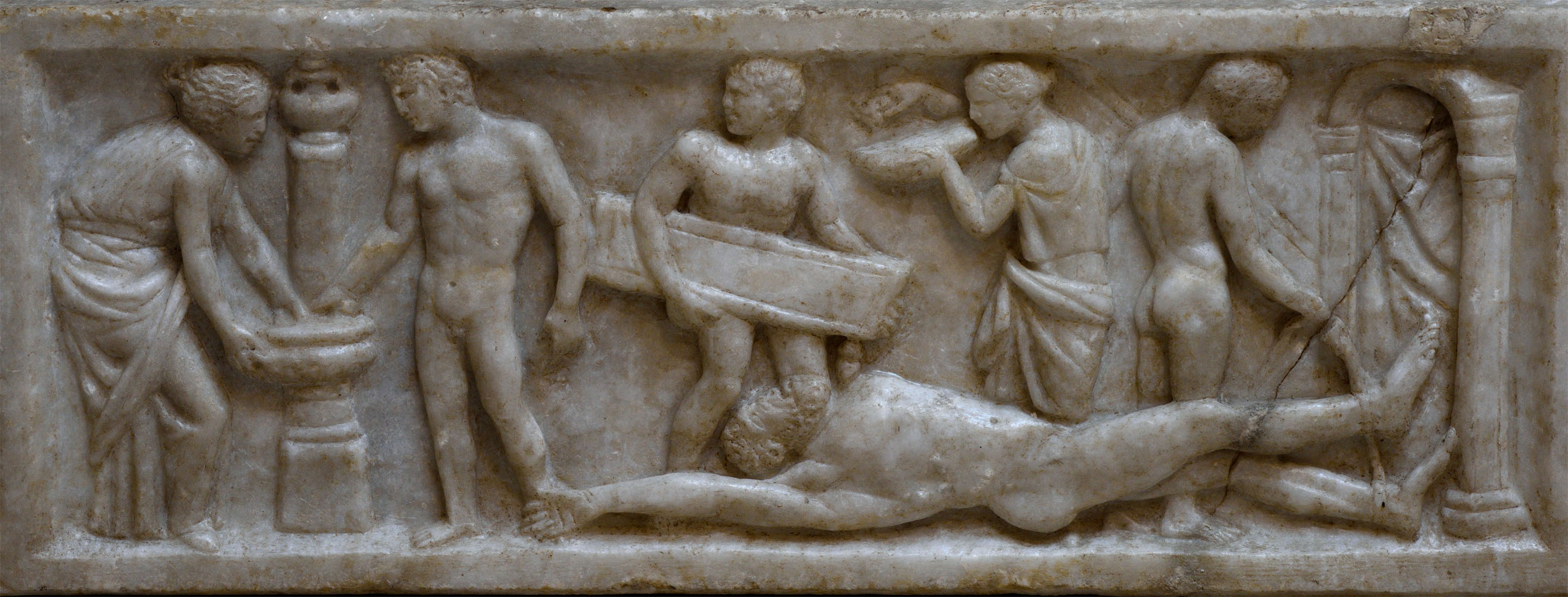 """""""Achilles washing Hector's corpse prior to its restoration to Priam"""" — scene from the lid of the sarcophagus with representation of scenes from the Iliad. Greek marble. 160 CE. Inv. No. SBAO 43504. Ostia, Archaeological Museum"""